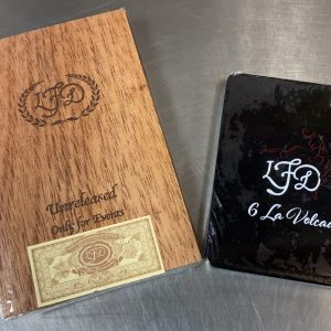 This is a La Flor Dominicana Event Only Five Pack W/ Free La Volcada Petite Tin